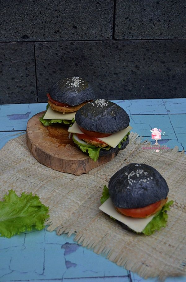 Dapur Comel Selma: Black Burger