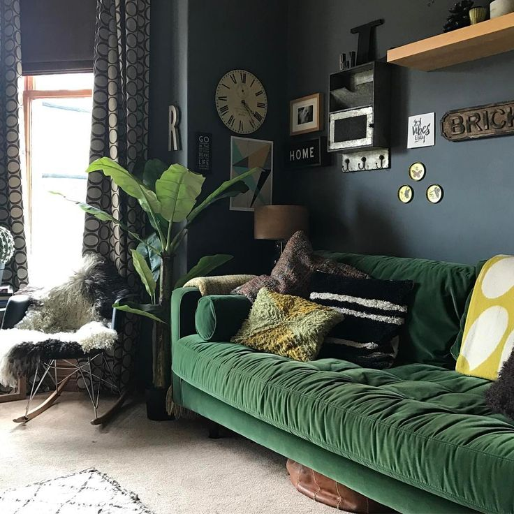 dark green sofa decorating a hunter green living room thesofa. Black Bedroom Furniture Sets. Home Design Ideas