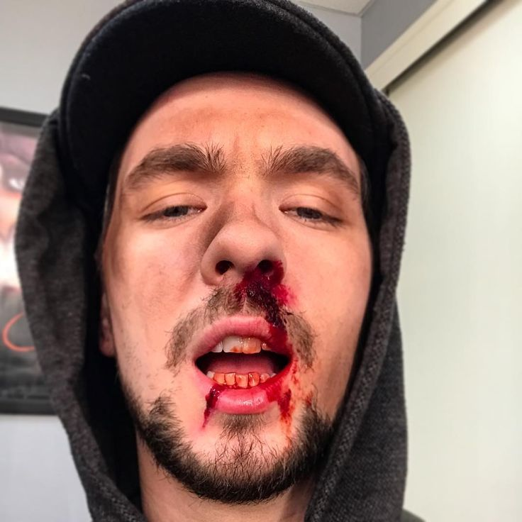 Jacksepticeye when Pewdiepie punches you REAL hard!