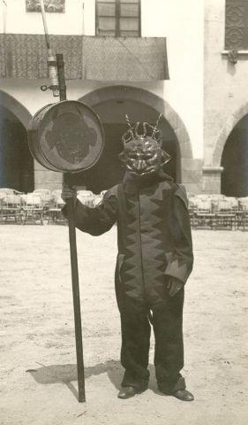 La #Patum al Poble Espanyol de Barcelona l'any 1932 - duc el dimoni dins jo... ;)