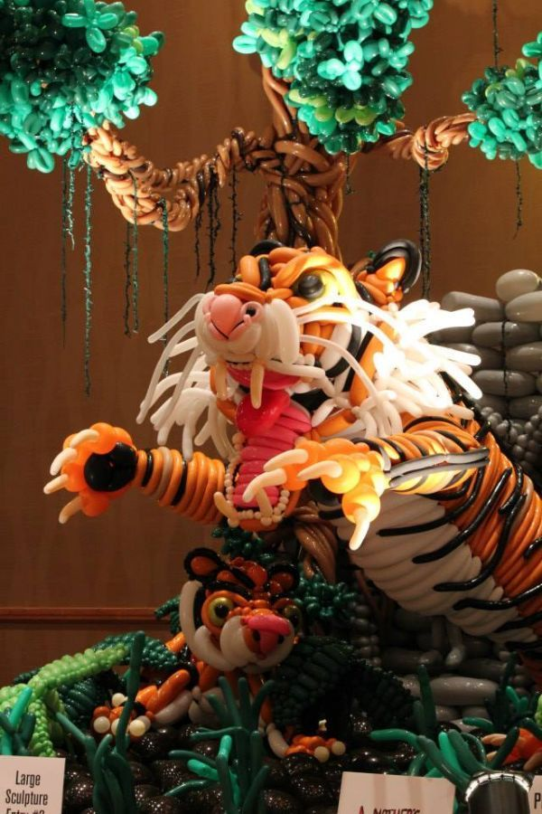 Amazing Balloon Sculptures from the World Balloon Convention  Found on neatorama.com