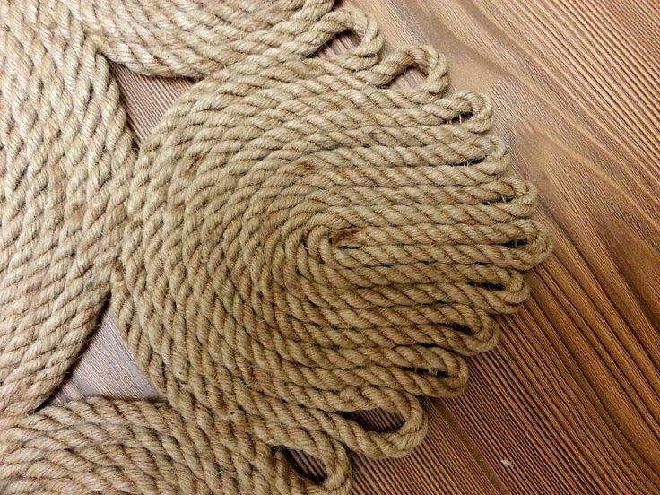 коврик ручной работы из джутовой веревки. Для дома и интерьера