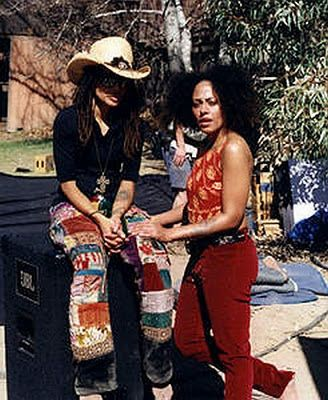 I know this picture so well. I have stared at it during many years. Sober In The Cauldron: Pal Pal Pursuit:Cree Summer and Lisa Bonet