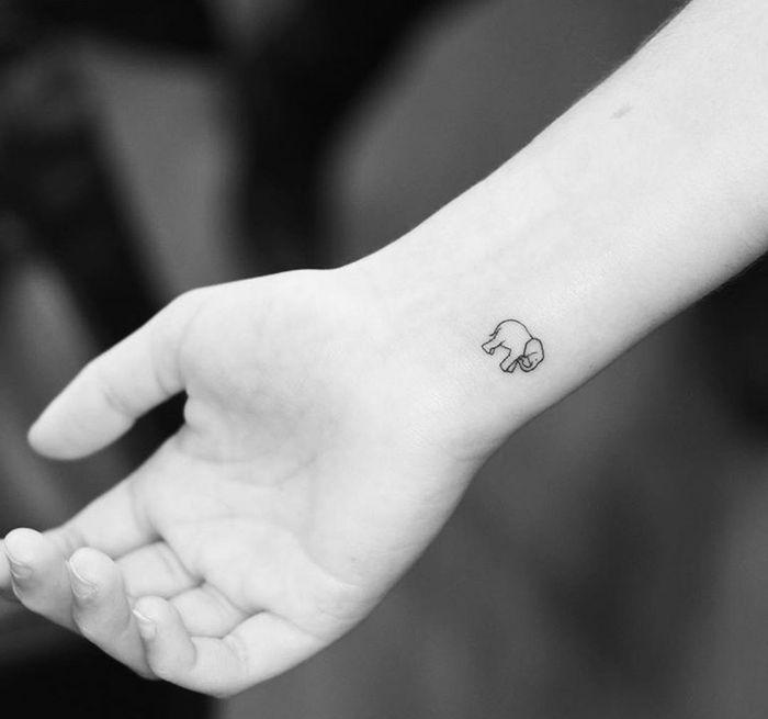1001 Ideas Sobre Tatuajes Simbólicos Originales Tatuaje Pequeño De Elefante Tatuajes Minimalistas Simbolos Para Tatuajes