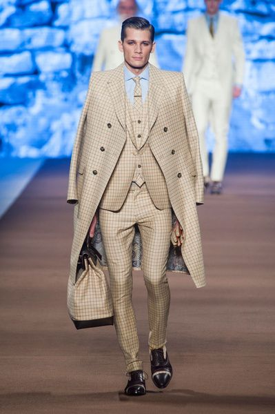 MMU FW 2014-15 – Etro See all the catwalk on: http://www.bookmoda.com/sfilate/mmu-fw-2014-15-%E2%80%93-etro/  @ETRO Official #etroofficial #milan #fall #winter #catwalk #menfashion #man #fashion #style #look #collection #MMU