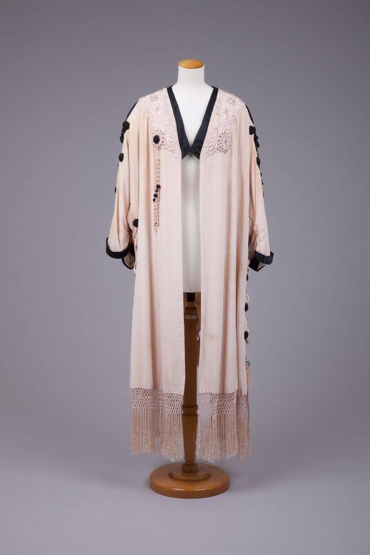 1910s opera coat   Goldstein Museum of Design
