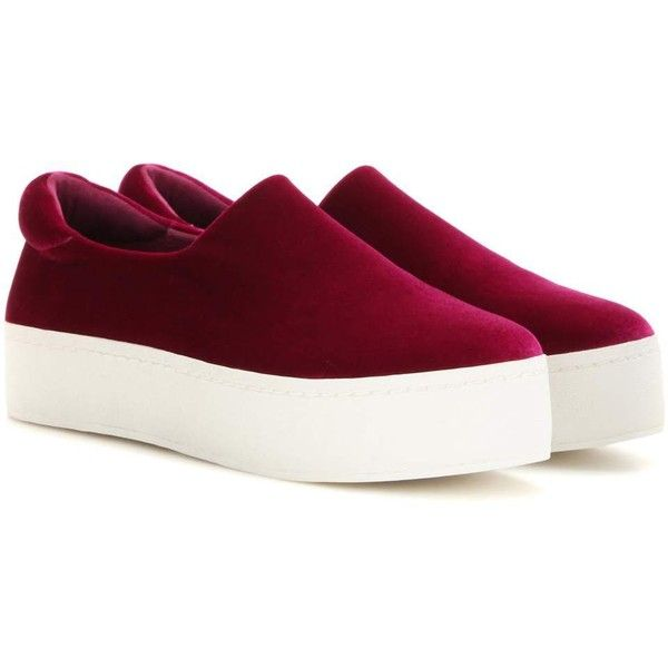 Opening Ceremony Cici Velvet Platform Slip-on Sneakers (790 BRL) ❤ liked on Polyvore featuring shoes, sneakers, purple, pull on sneakers, opening ceremony shoes, platform trainers, purple platform shoes and velvet shoes