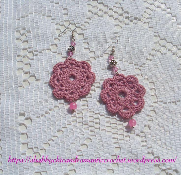 https://shabbychicandromanticcrochet.wordpress.com/2015/05/26/old-rose-crochet-earrings-orecchini-alluncinetto-rosa-antico/