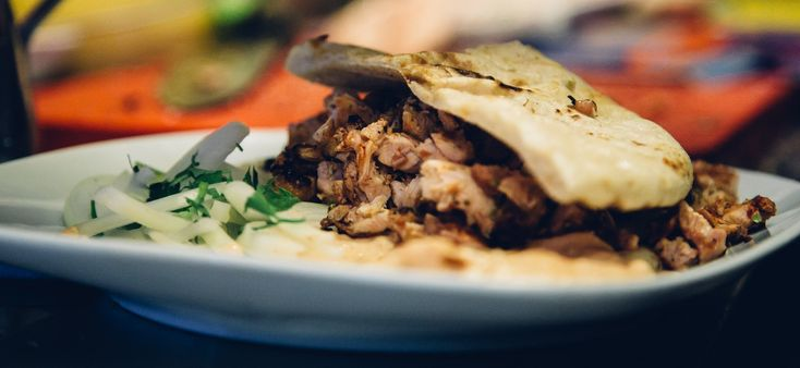 Are you hungry? Check out the places with the most delicious gyros in town! 🌯🍖🍟#Thessaloniki #visitthessaloniki #epiculiar #localhostsworldtreasures