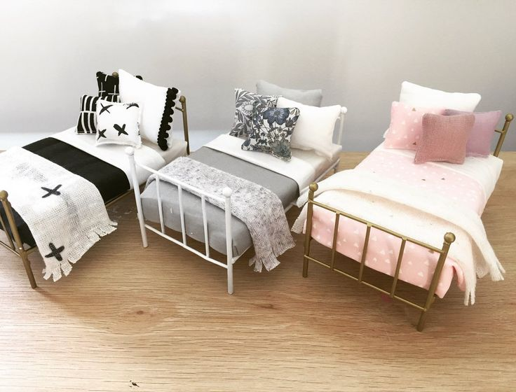 Image of Single Metal Bed