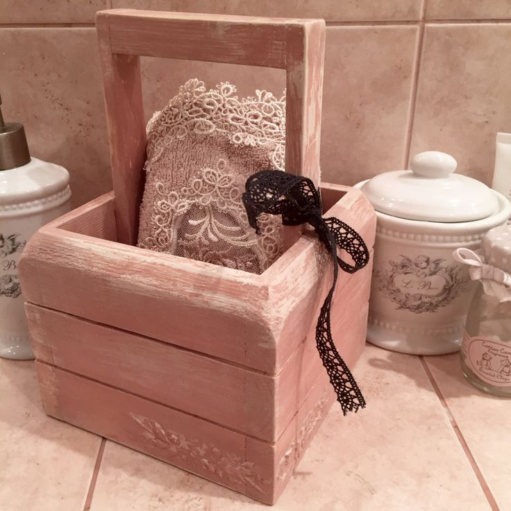 Box for bath utilities artificially aged and made with vintage look by Olga Nadeeva with Daria Geiler paint materials.
