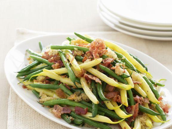 Bohnen grün und gelb mit Knoblauch-Speck-Bröseln ist ein Rezept mit frischen Zutaten aus der Kategorie Hülsenfrüchte. Probieren Sie dieses und weitere Rezepte von EAT SMARTER!