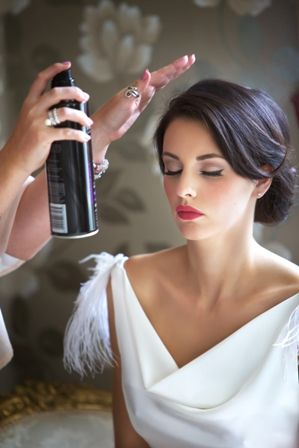 wedding hair and simple vintage makeup , i love this whole look.