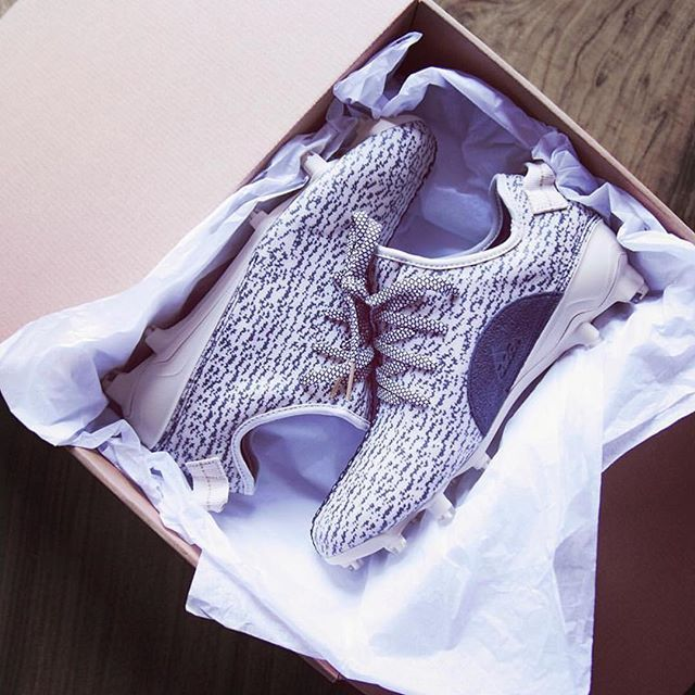 #DeandreHopkins got his own pair of #Yeezy cleats! Are we feeling them?