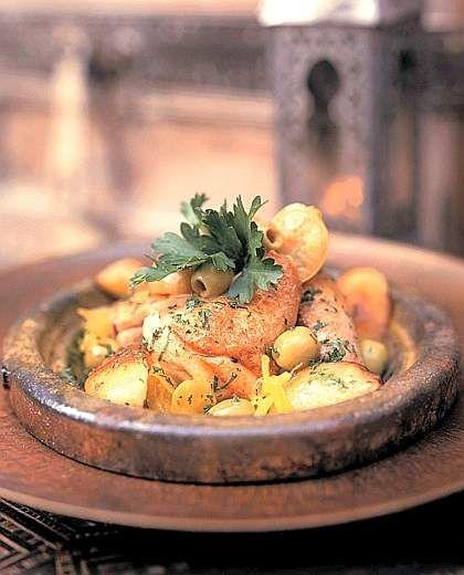 Tajine di pollo con olive e limoni in salamoia