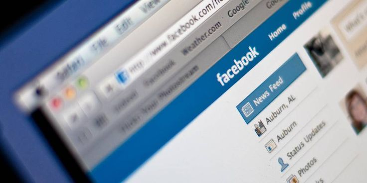 Facebook removes page for popular celebrity gossip site, citing copyright infringement