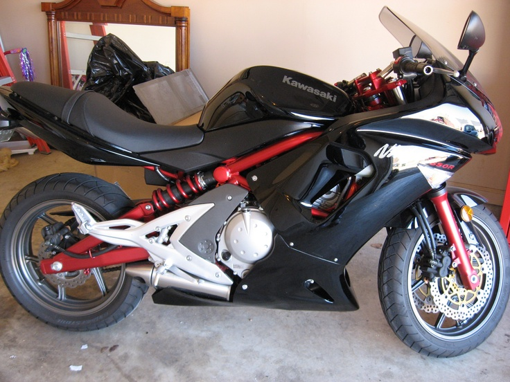 Kawasaki Ninja 650r Red and Black - NO!  THIS was my ACTUAL first bike's color combo...hot off the assembly line!!!