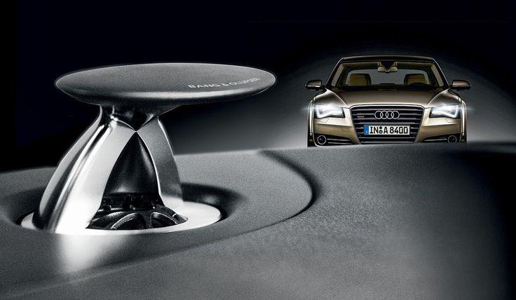 A dinamarquesa Bang & Olufsen fabrica sistemas de áudio de primeira linha. Seu kit de 14 alto-falantes, subwoofer e até 1400 watts chega a custar R$ 41500 no Audi A8 à venda no Brasil.