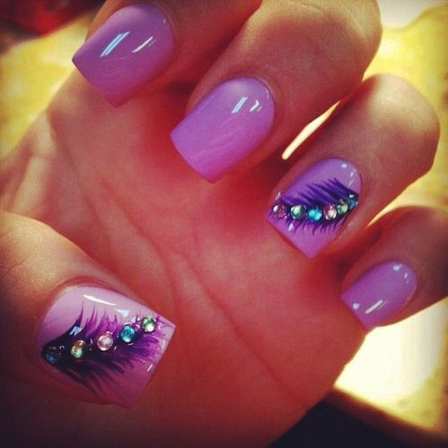 cute purple feather nails :)