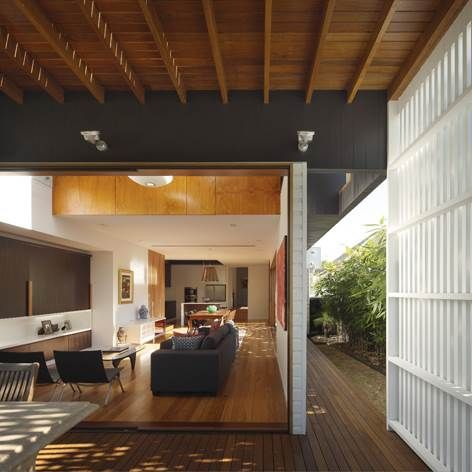 The Harcourt House is an exciting renovation that explores the use of operable walls and open courtyards to create a private urban oasis in the inner-city of Brisbane. This is a beautifully crafted house that prioritises functional use of space and a precise execution of detail.