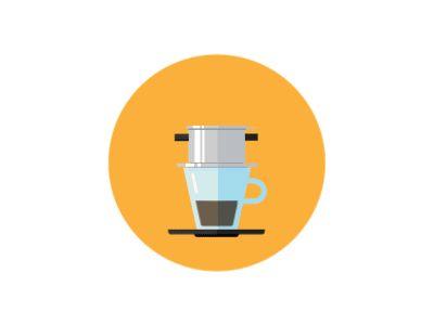 Cà phê sữa đá : Una delle specialità più conosciute del Vietnam. Consiste in un caffè ghiacciato servito con latte condensato dolce e cremoso, che dà alla bevanda una piacevole consistenza. Spesso il latte condensato rimane sul fondo del bicchiere e potete scegliere se mescolare o godervelo alla fine.
