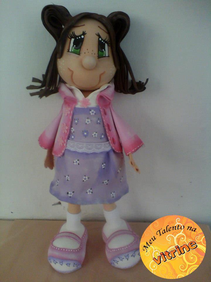 Boneca Paulinha Artesã: Ateliê Vsl  Técnica: E.V.A 3D   Email:atelievsl@gmail.com Facebook: https://www.facebook.com/vsl.viviane