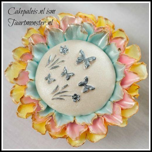 OP naar de lente!!    Ook deze mold is te bestellen bij:  http://shop.taartmonster.nl/Shower Cap, Deze Moldings, Cupcakes Moulding, Lens, Cupcakes Rosa-Choqu