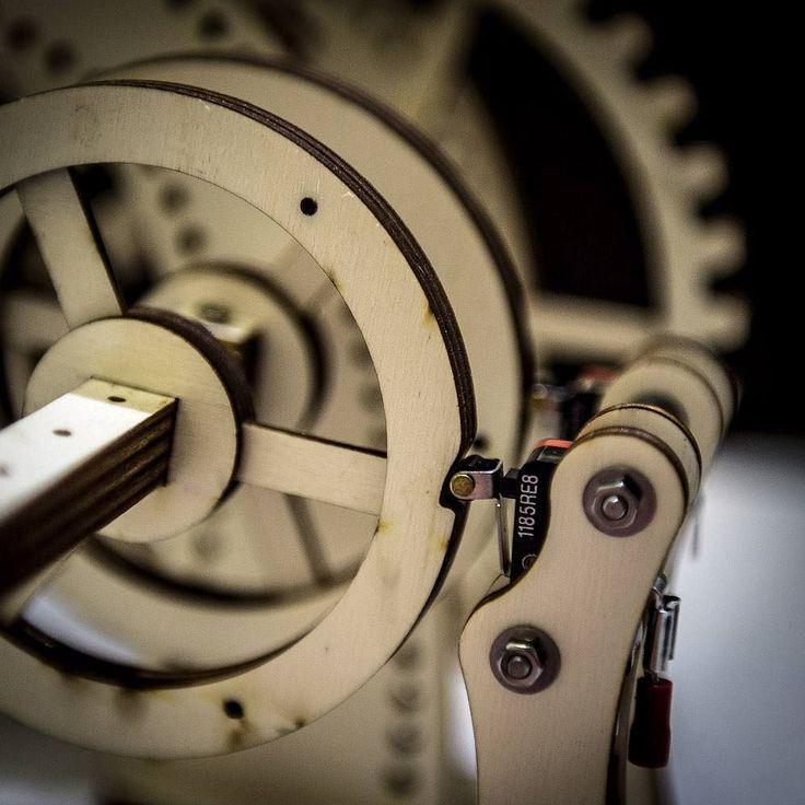 Testing the timeline rotors. #automata #prototype #maker