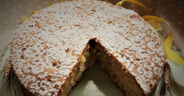 Torta di mele, banana, pinoli e semi di papavero http://www.delizieeconfidenze.com/2017/04/torta-di-mele-con-banana-pinoli-e-semi.html