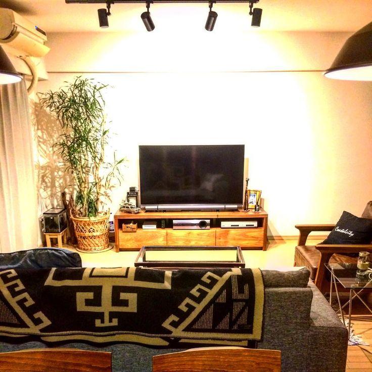 ▪️▪️リビング▪️▪️  #californiastyle #home #green #lifestyle #wood #mygoodroom #interior #diy #wtwsurfclub #bayflow #food #living   #カリフォルニアスタイル #ブルックリンスタイル #インテリア #マンション #暮らし #木のある暮らし #おうちカフェ #ライフスタイル #ホテルライク