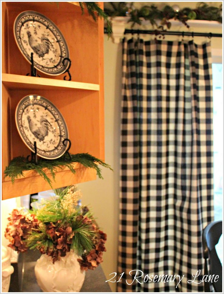 roosters and checks- what's not to love?  Want these black check curtains for the kitchen.