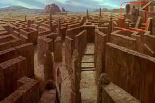 Labirintul este un simbol al scurgerii timpului, iniţierii, căii şi evoluţiei spirituale, progresului, dezvoltării, iluminării, conectării l...