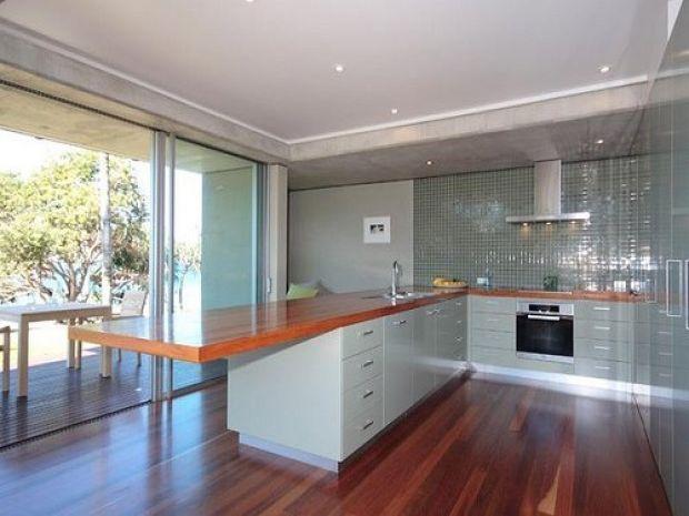 Cozinha minimalista com ch?o em madeira Decora??o ...