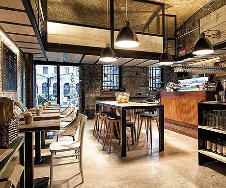 zeroquaranta - social food bar restaurant - retro informal style by METROAREA - trieste