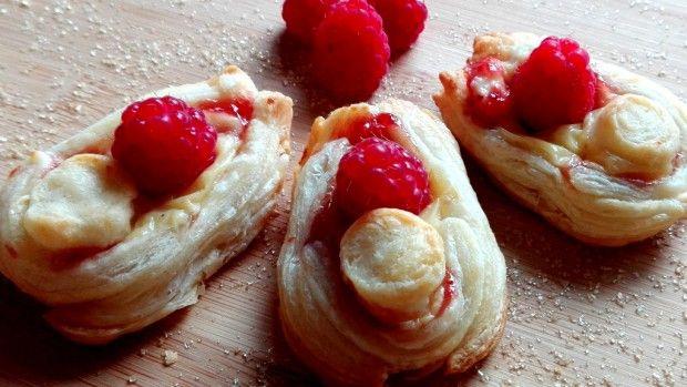 Hrníčkové malinové koláčky