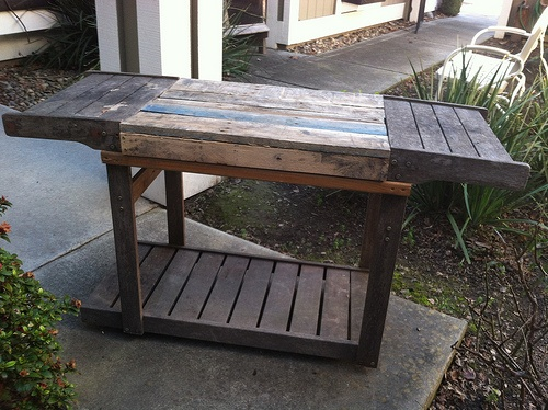 Repurposed BBQ cart/pallet table