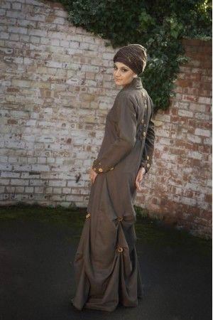 Браун Buttoness Королева | imaancollections.com | ..для хиджабы, Абая, jilbabs, высокая мода мусульманская одежда и усилитель; Исламская одежда. Яркий платье и усилитель фестиваль; свадебная одежда для стильных, смелых горе