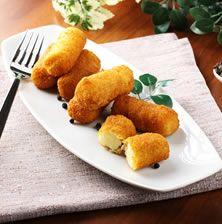 Σπιτικές νόστιμες κροκέτες τυριού με τραγανή κρούστα κι θεϊκή υφή με λαχταριστή γέμιση από δυο διαφορετικά τυριά
