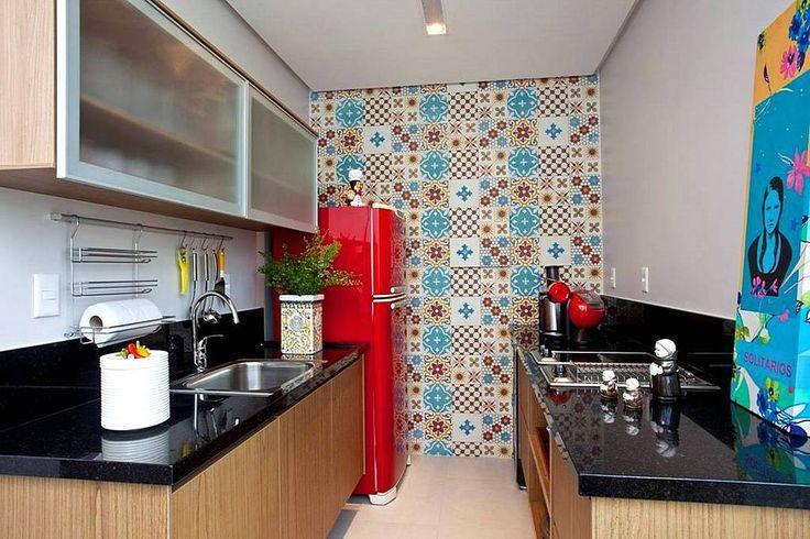 Desain Dapur Minimalis Modern 2x2 Dengan Keramik Dinding Terbaru