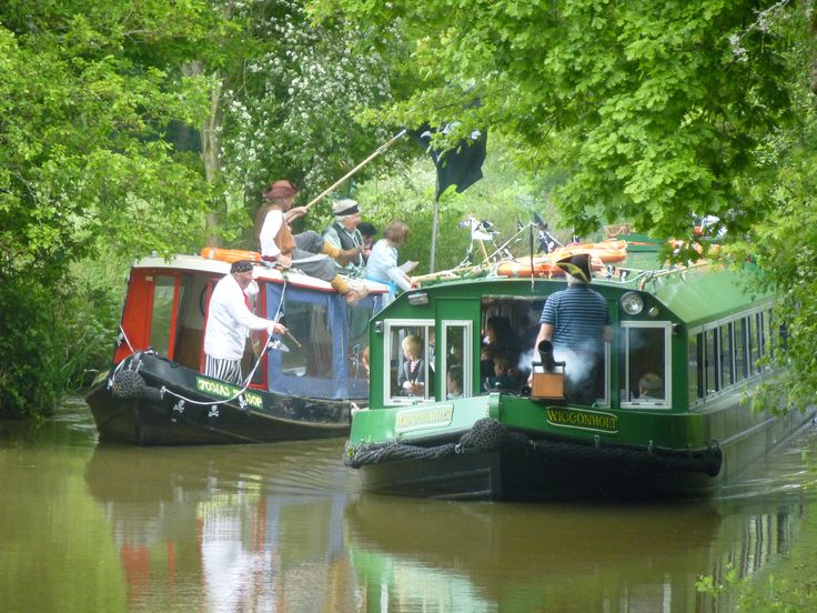 Pirates and Princessess cruises on the Wey & Arun Canal at Loxwood in West Sussex. Our next Pirates and Princesses cruises are on 27th May,13th August & 27th August 2015. Details at www.weyandarun.co.uk/tripboats/index.php
