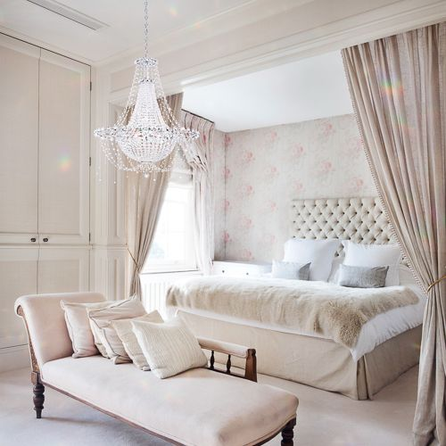 Schonbek chandelier + neutral bedroom  |  pinterest: @Blancazh