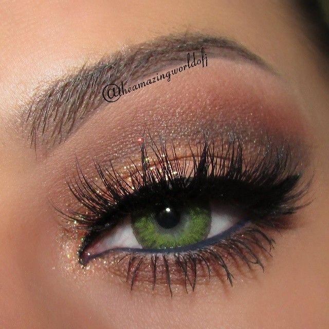 Sparking brown eyeshadow