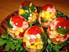 Заливные яйца - пошаговый рецепт с фото - Все продукты взяты примерно, особенно приправы, т.к. в яйцо вы можете положить все, что пожелаете по своему усмотрению. Просто чтобы вид был эффектный, нужно использовать цвета по максимуму: красный, желтый,...