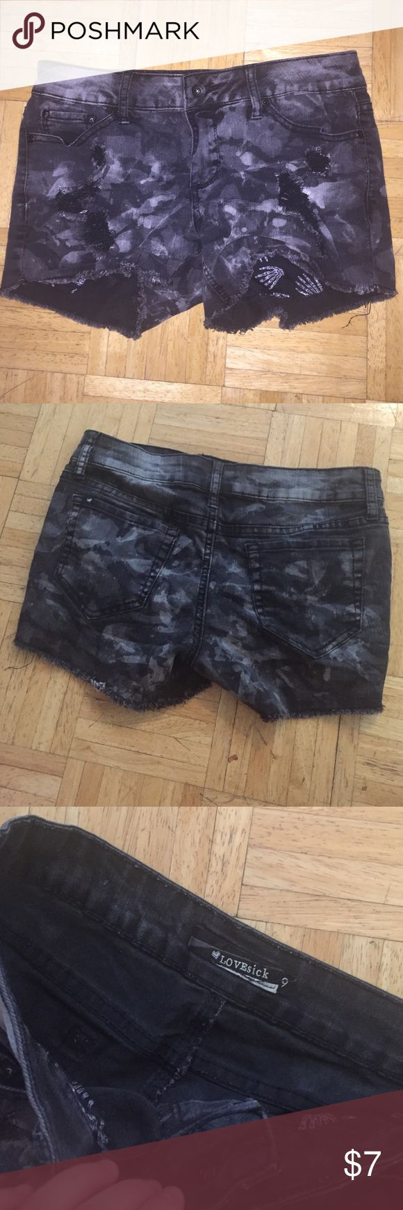 LOVEsick Size 9 Black and Gray Army Shorts LOVEsick Size 9 Black and Gray Army Shorts. Worn quite a few time but still in great shape! 4 pockets and 1 little pocket. Hot Topic. Hot Topic Shorts Jean Shorts