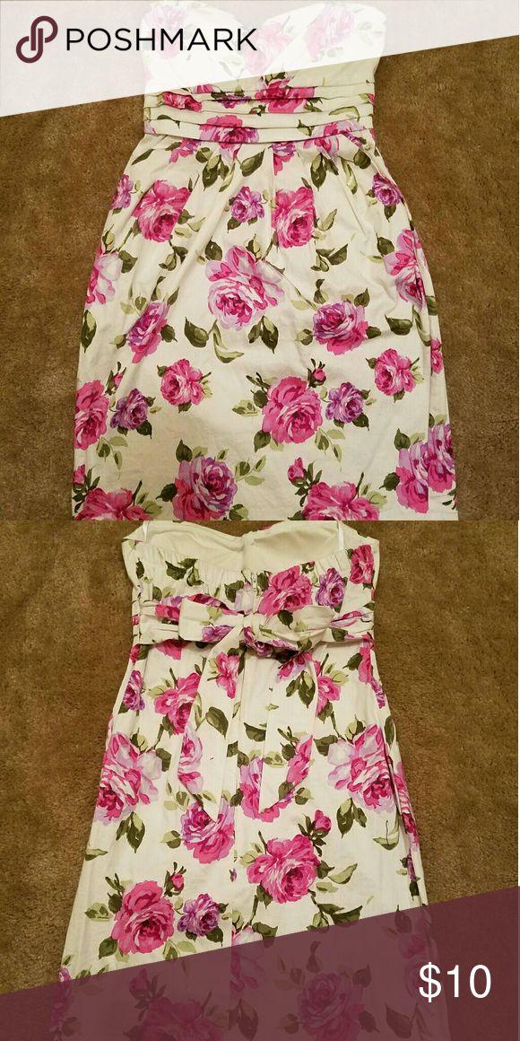 Deb Strapless floral dress Deb Shops woven floral dress. So cute! Size 3. Deb Dresses Mini