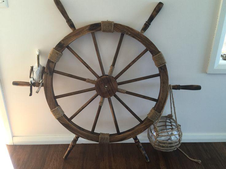 Ship wheel with buoy
