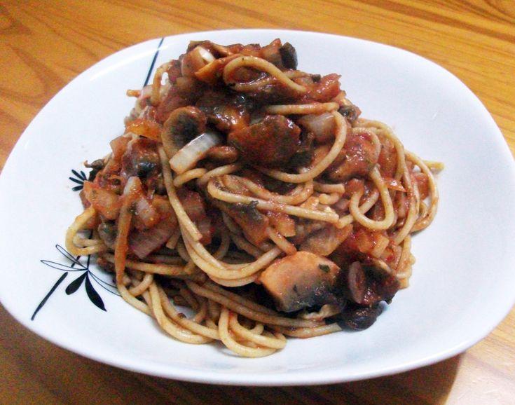 A Simple Mushroom & Kalamata Olive Spaghetti Napolitana