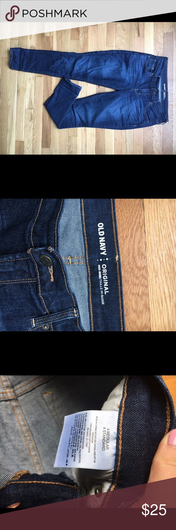 """Old Navy Skinny Jeans Great dark denim for anything from casual Friday at the office to girls night at the bar. They're on the """"Lower end"""" of mid rise but not uncomfortable :) Old Navy Jeans Skinny"""