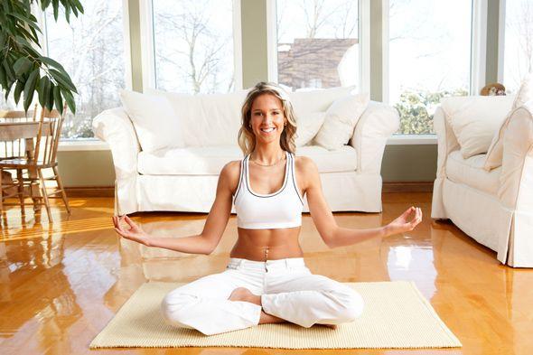 Rutina de #YOGA para obtener energía y estar EN FORMA