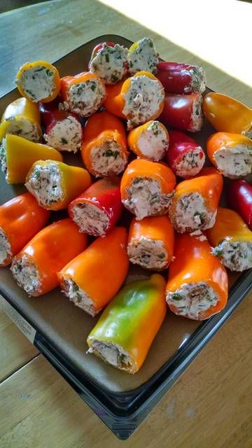 Summertime poppers with bacon, cream cheese, jalapeño pepper